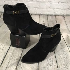 Seychelles black suede leather booties 8